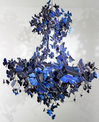 Virtue of Blue, Demakersvan chandelier